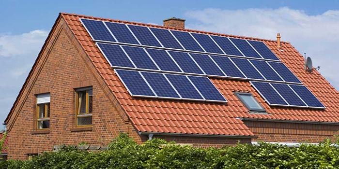 Peut-on installer des panneaux solaires pour recharger une voiture ?